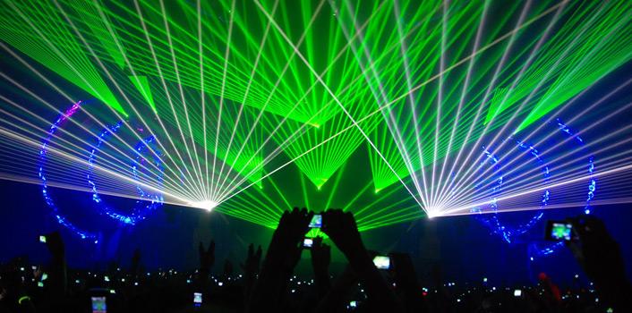 alquiler-iluminacion-laser-01